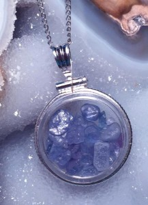 Useful Tips for Buying Jewelry - Montana Yogo Sapphire Pendant